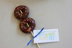 its great to be 8 donut and tag