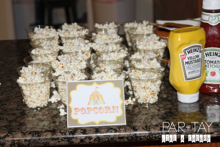 single serve size popcorn cups! easy party food idea