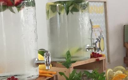 Partyverleihddde  Glas Getrnkespender Vintage 58l