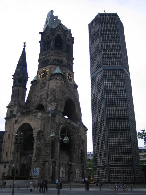 El pintalabios y la polvera Berlin