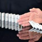 être réactif, c'est être l'un de ces dominos au centre