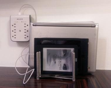 suppor Variera Ikea pratique support tablette recharge