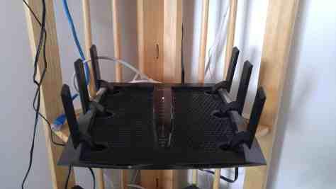 gros routeur wifi antennes