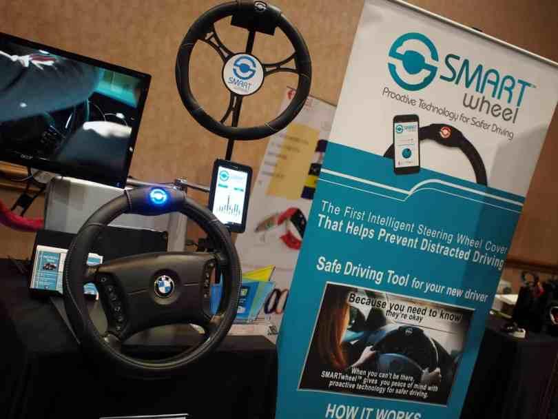 Le capteur Smart Wheel, qui s'assure qu'on conduit en gardant les deux mains sur le volant