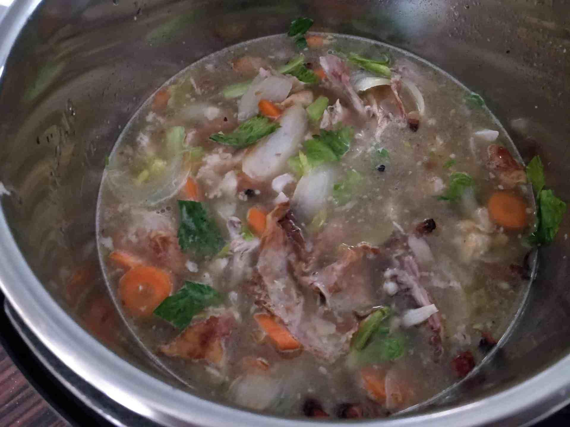 Bouillon de poulet au Instant Pot trucs pratiques astuces recette