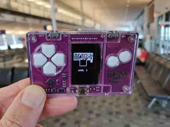 Tetris card microcard aéroport airport passer le temps