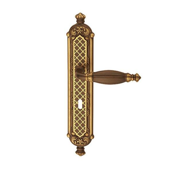 Maniglia su placca in ottone graffiato antico Queen Classique