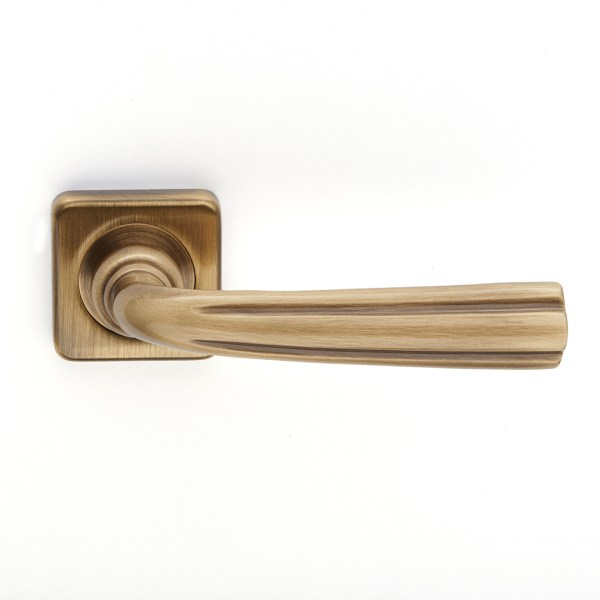 Handle on rose yester bronze brass corolla classique