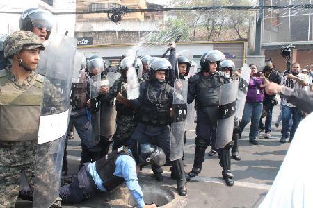 policias represion copinh1