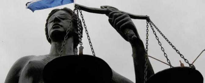 EDITORIAL: La elección de los magistrados en la luminaria de una Honduras indignada
