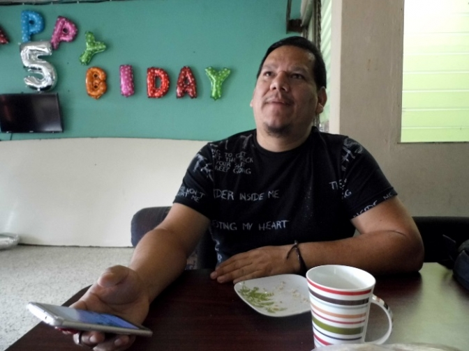 Donny Reyes, responsable de la Coordinación de la organización LGTBI Arcoiris fue respaldado por varias instituciones afines ante una campaña de   desprestigio entronizada en su contra.
