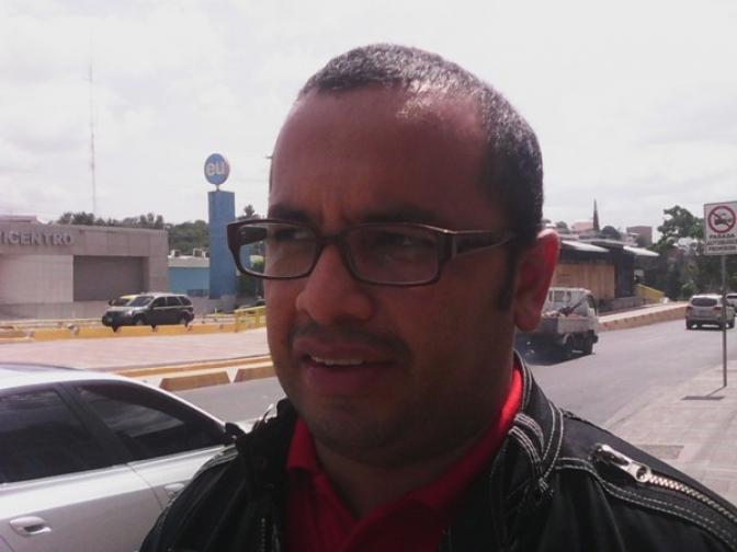 Periodista Brayan Flores