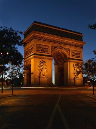 verao-em-paris-arco-do-triunfo