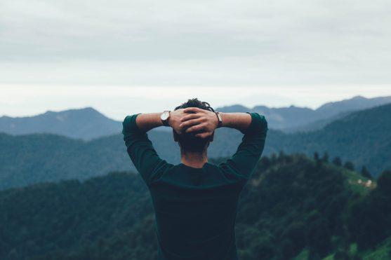 Síndrome de Pensamento Acelerado - A MENTE SÓ PREOCUPA COM PENSAMENTOS PASSADOS