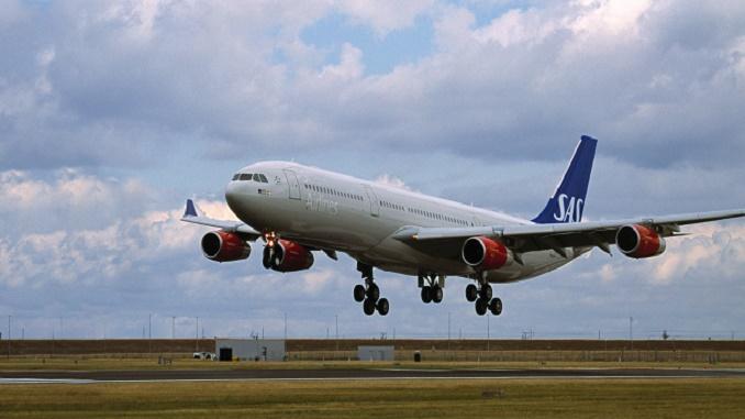 SAS A340 landing
