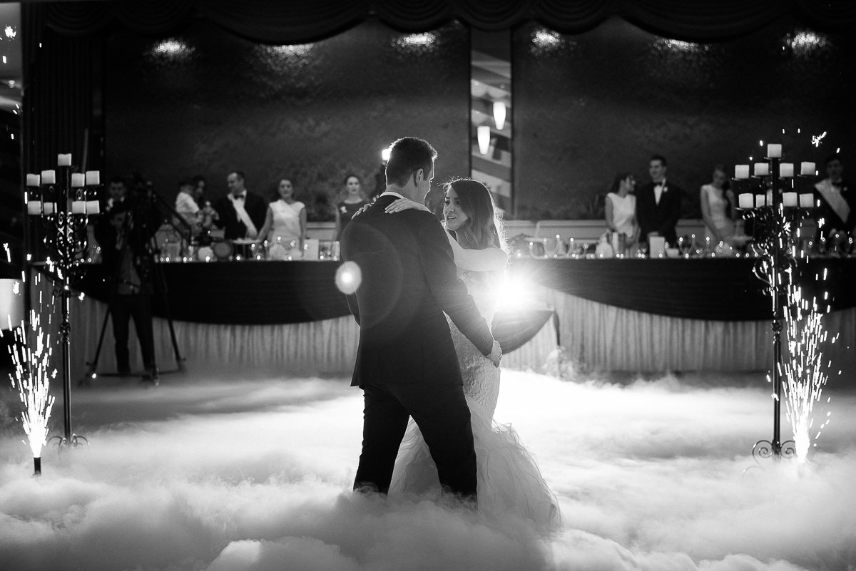 wedding-dance-at-the-emerald-