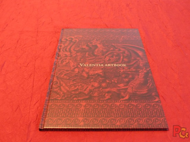 Unboxing FEE - artbook fermé