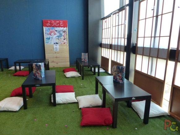 Mangazur 2018 - maid café tables