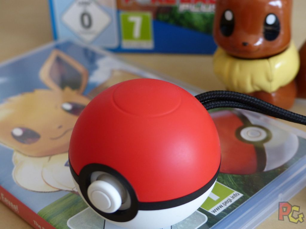Pokemon Lets Go Evoli - Pokeball vue d'en haut