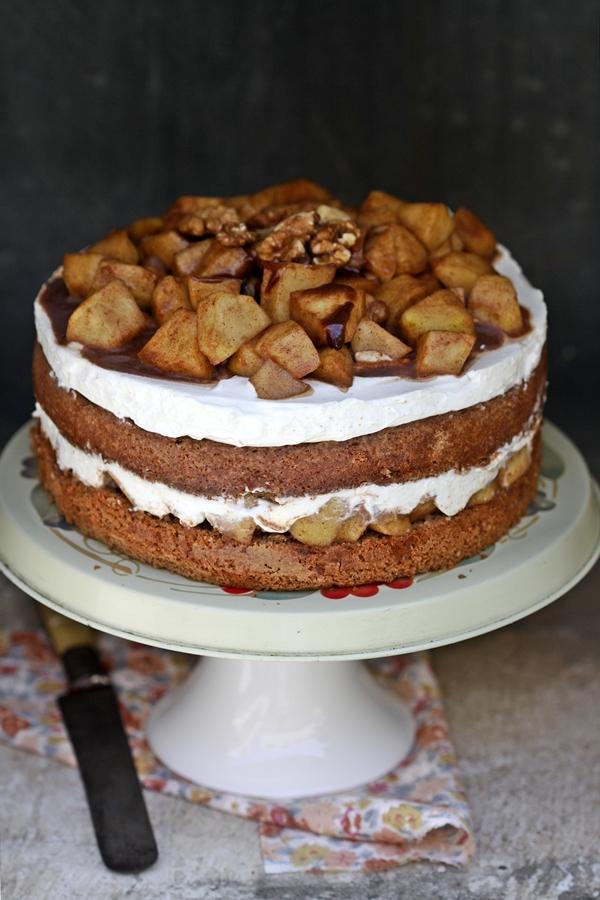 Apple Cinnamon Quark Cake