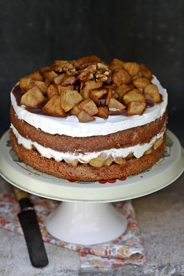 Apple Cinnamon Quark Cake