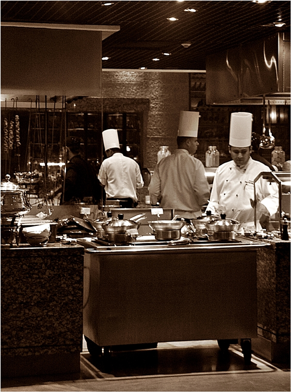 Café G, Crowne Plaza, Gurgaon