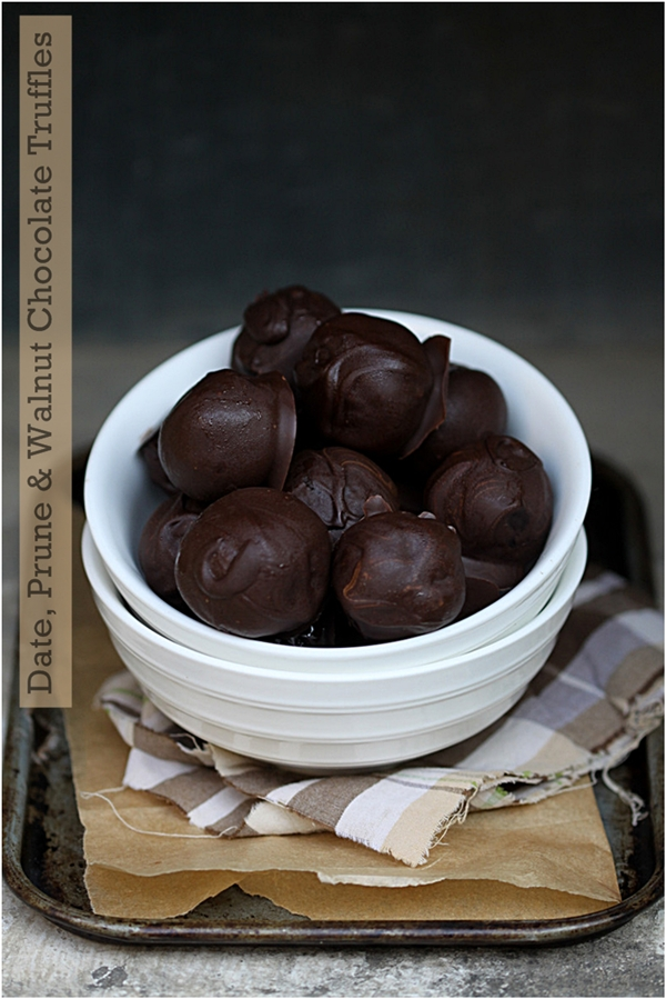 No Bake | Date & Prune Chocolate Truffles … truffles on a diet don't get better than this #festivefood