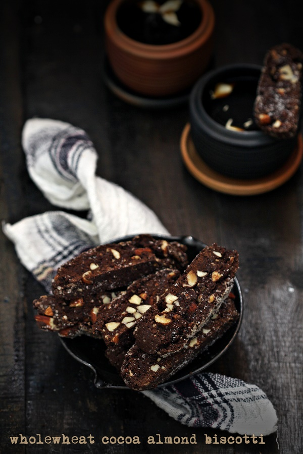 wholewheat cocoa almond biscotti