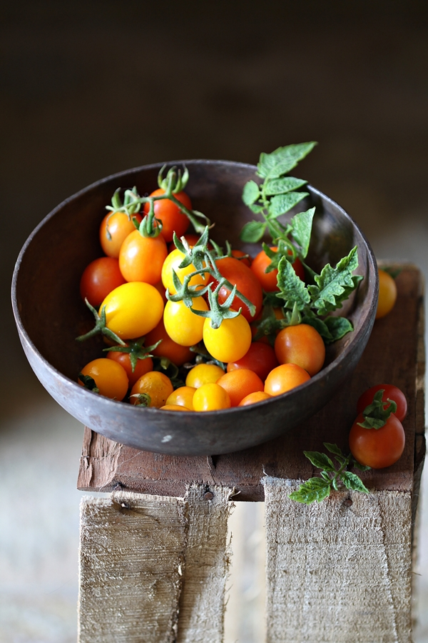 Vine tomatoes with LFP