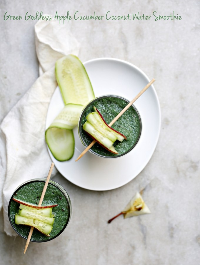 Foodtalk | Green Goddess Apple Cucumber Coconut Water Smoothie #spirulina #superdrink