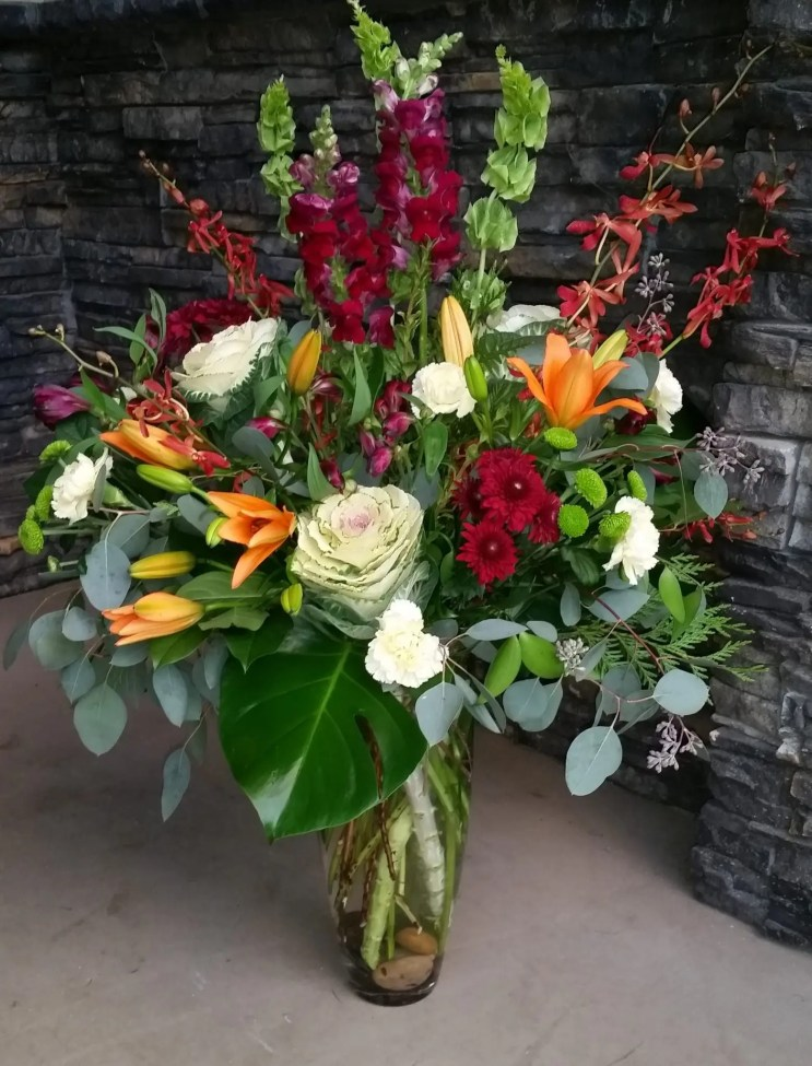 lily orchid - Kelowna Flower Delivery Shop | Flower Arrangements & Bouquets - Passionate Blooms