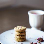 Cardamom pistachio cookies with rose petals