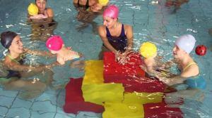 foto_mamme_figli_piscina