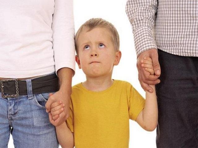 foto_genitori-iperprotettivi
