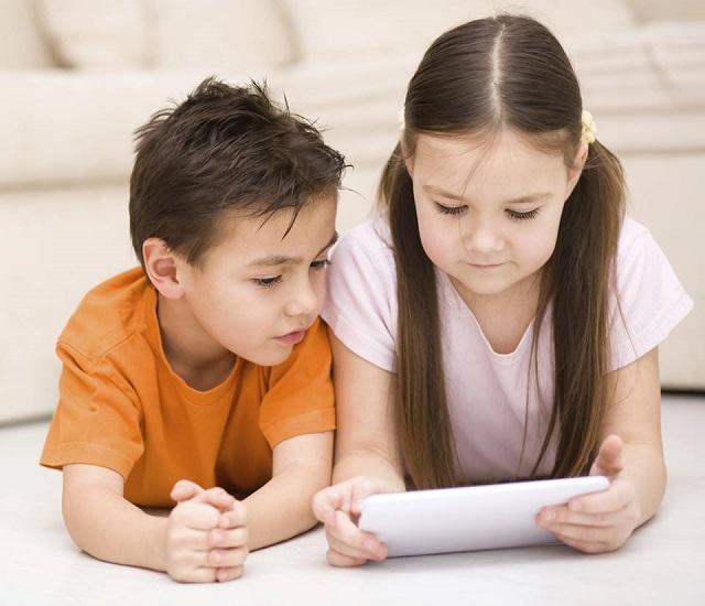 bambini e computer vantaggi e rischi