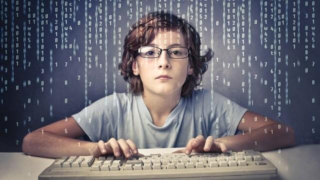foto_finlandia_bambini_imparano_usare_prima_tastiera
