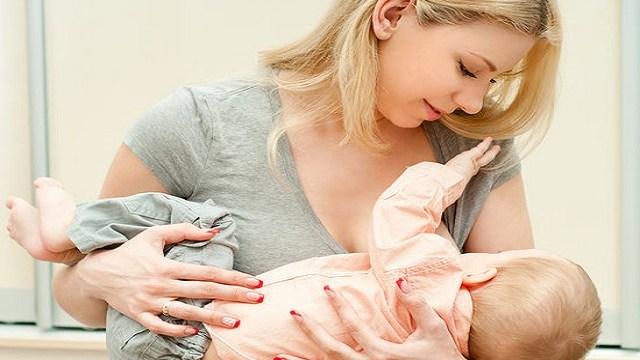 posizione-allattamento