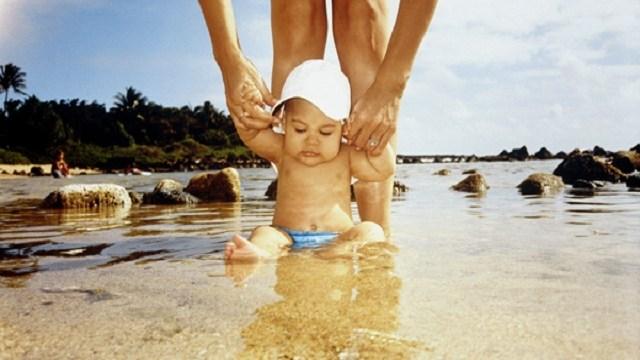 A quanti mesi si pu fare il primo bagno al mare - Varicella si puo fare il bagno ...