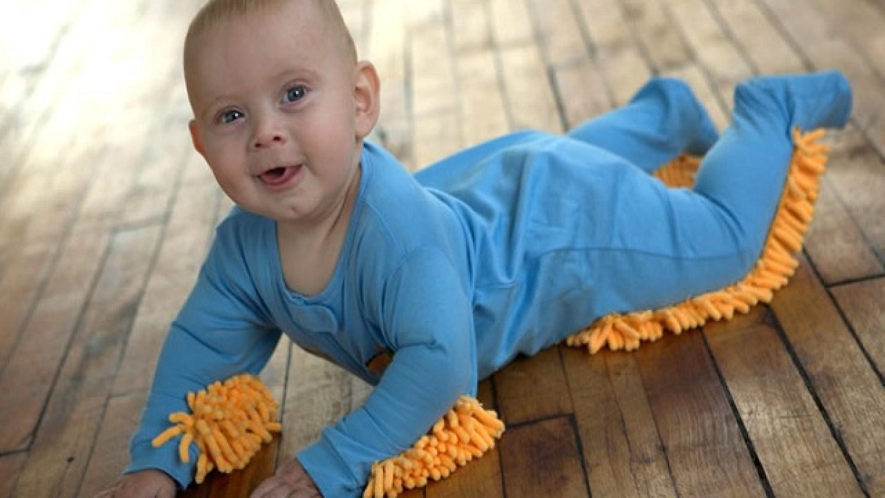 Quando Inizia A Gattonare Neonato come tenere pulita la casa quando il bambino comincia a