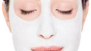 foto_maschera con prodotti naturali_yogurt