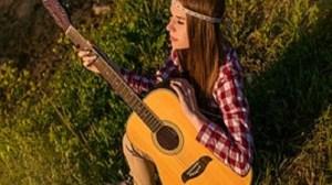 foto_ragazza_con_chitarra