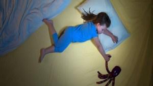 foto_bimba fa pipì a letto