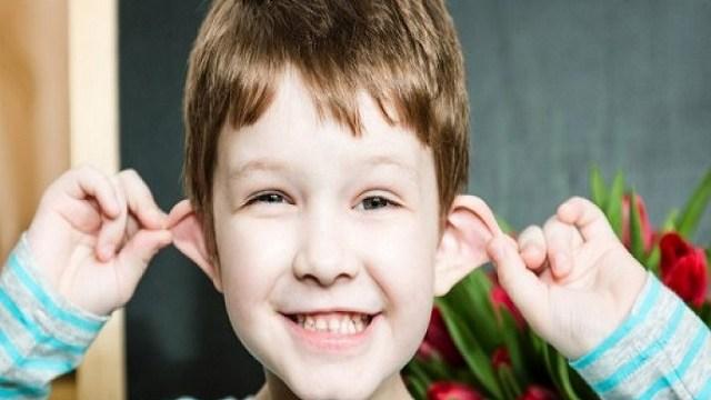 foto_orecchie bambino