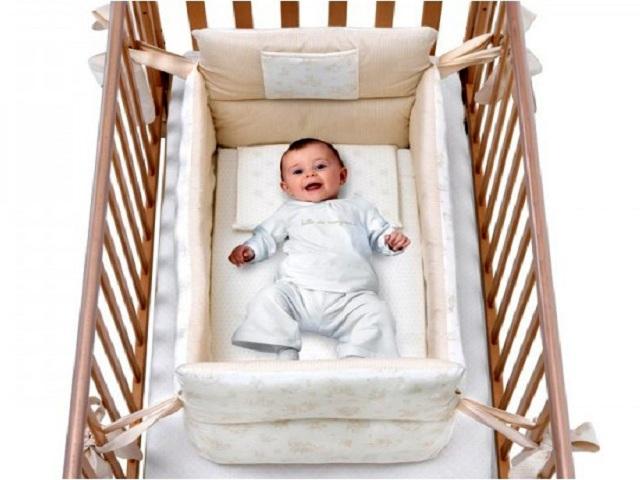 Riduttore lettino e culla quale comprare passione mamma - Lettino neonato da attaccare al letto ...