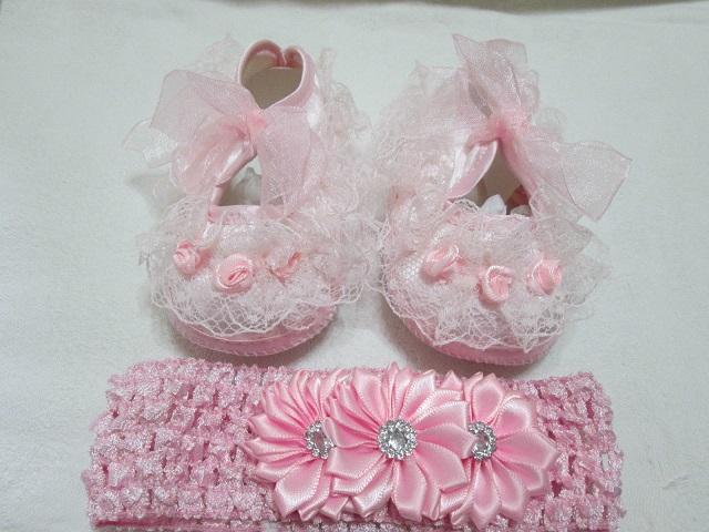 Teneri e colorati, ma soprattutto di alta qualità! Scopri ora la collezione di vestitini per neonata firmata Prenatal, tantissimi abiti e completi.