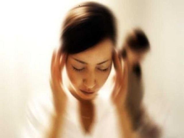 Giramenti di testa in gravidanza cause e rimedi - Ritardo mal di pancia e sensazione di bagnato ...