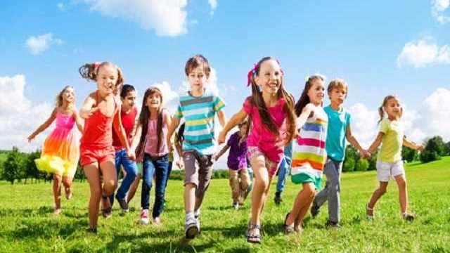 foto giochi per bambini all aperto