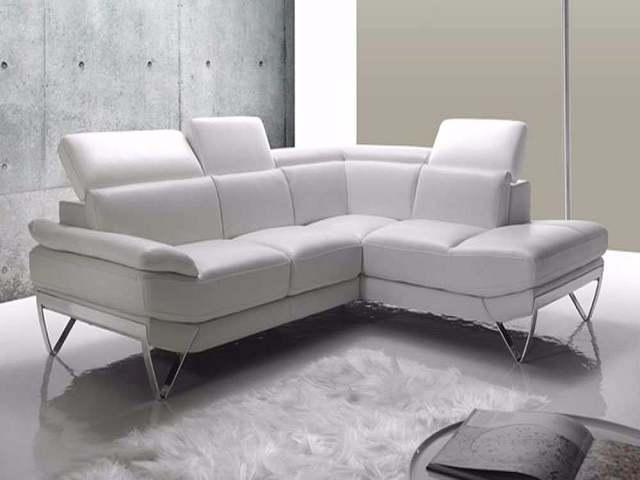 Divani Bianchi Pelle : Come pulire il divano in pelle facilmente passione mamma
