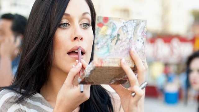 prodotti make-up da evitare in gravidanza