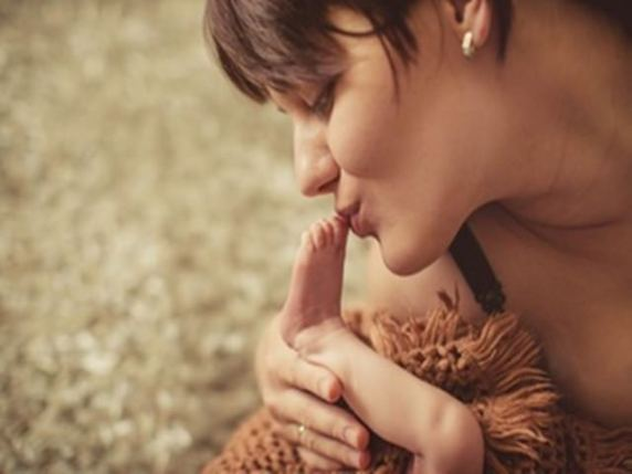 baciare i piedini